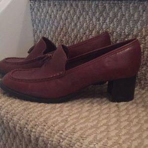 Like New Eddie Bauer heeled loafers